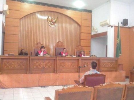 Suasana Persidangan Benhan di PN Jaksel (dok. Dhenok Change.org)